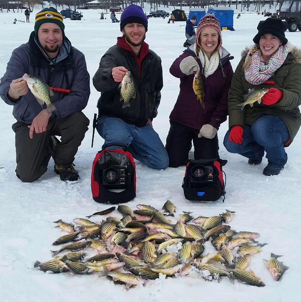 Great fishing in iowa kevan paul 39 s guide service for Ice fishing iowa